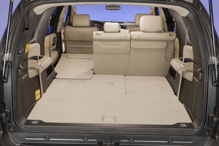Copy_of_Toyota_Sequoia_2010_131